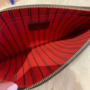 Louis Vuitton Bags - Louis Vuitton 2018 Damier Ebene Wristlet Pouch